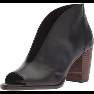 Lucky Brand Joal black leather heels size 9